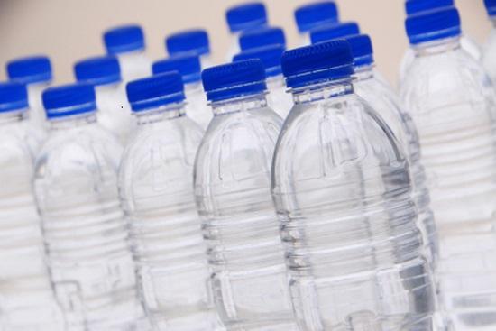 riciclare bottiglie di plastica idee : Idee per riciclare le bottiglie di plastica