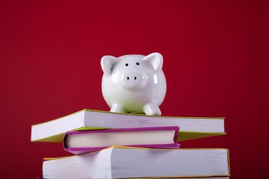 Come risparmiare sui libri scolastici e spendere meno for Vendita libri scolastici