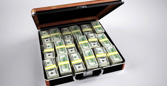 Trasferimento denaro all'estero: sistemi legali e illegali